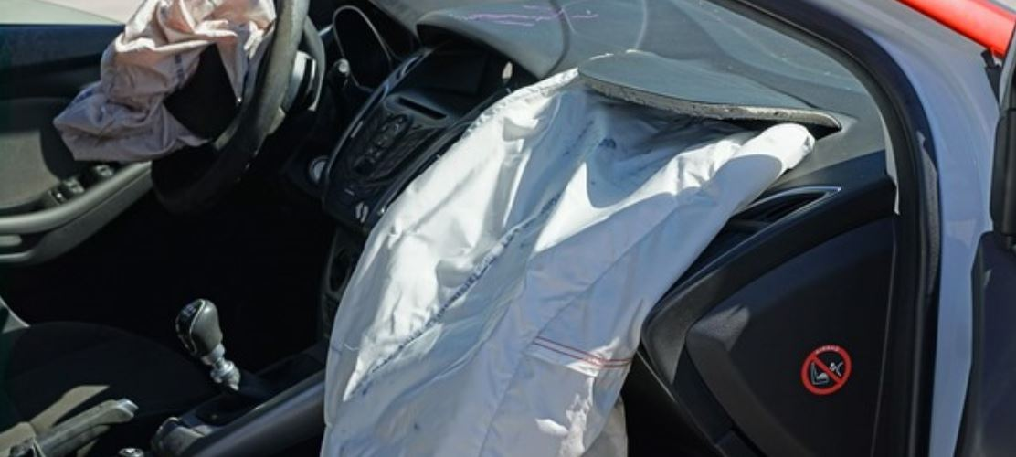 Both airbags deplyed by an accident